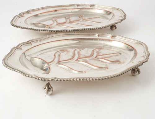 Pair of silver plated dishesEngland620€